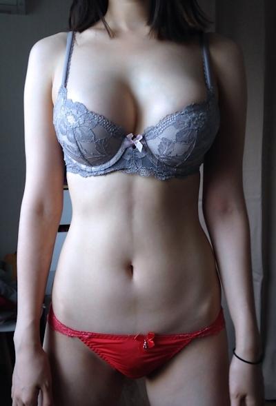 美乳な韓国女性のヌード画像 5