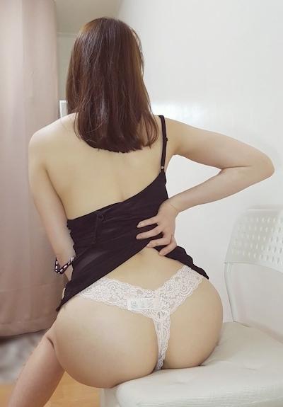 美乳な韓国女性のヌード画像 9
