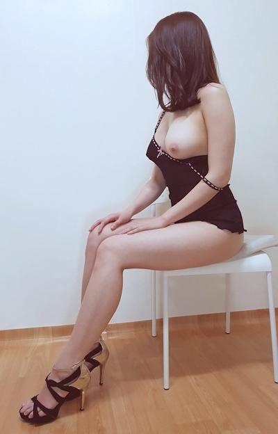美乳な韓国女性のヌード画像 12