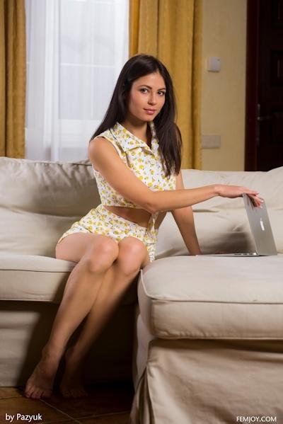 チェコ美少女 Paula セクシーヌード画像 2