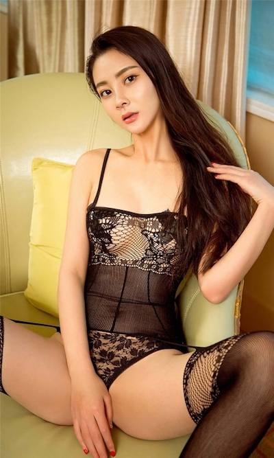 中国美女モデル Lucy 拘束セミヌード画像 3