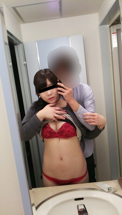 ラブホで撮影した素人美女の流出ヌード画像 2