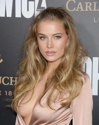 ロシアのファッションモデル Tanya Mityushina(タニヤ・ミティアッシーナ) 乳首ポロリ画像 3