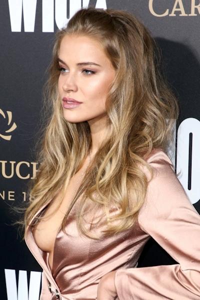 ロシアのファッションモデル Tanya Mityushina(タニヤ・ミティアッシーナ) 乳首ポロリ画像 5