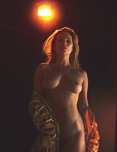 Kate Moss(ケイト・モス) トップレスヌード画像