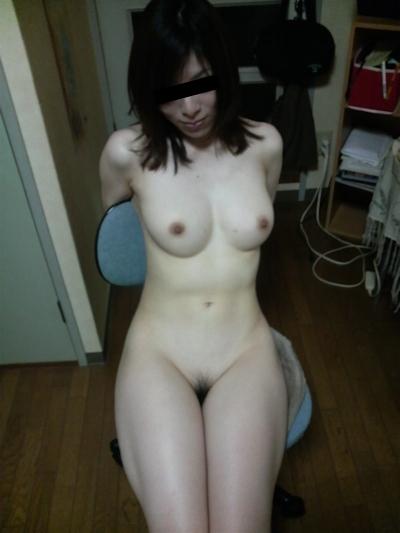 日本の素人美女の流出ヌード画像 7