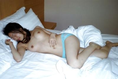 美乳な中国の素人美女をラブホで撮影した流出ヌード画像 5