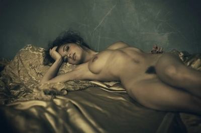 タヒチ出身の美女モデル Emilie Payet(エミリー・ぺイェ) セクシーヌード画像 10