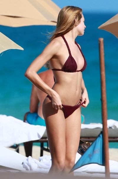 アメリカモデル Ashlen Alexandra(アシュレン・アレクサンドラ) パパラッチされたトップレス画像 1