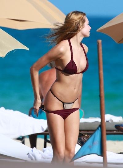 アメリカモデル Ashlen Alexandra(アシュレン・アレクサンドラ) パパラッチされたトップレス画像 2