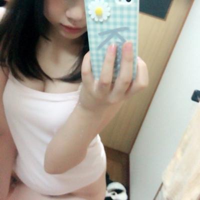 極上美少女の自分撮りヌード画像? 2