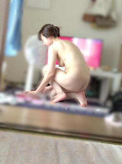 日本の美人妻の流出ヌード画像 15