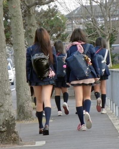 日本のJKのミニスカート画像 1