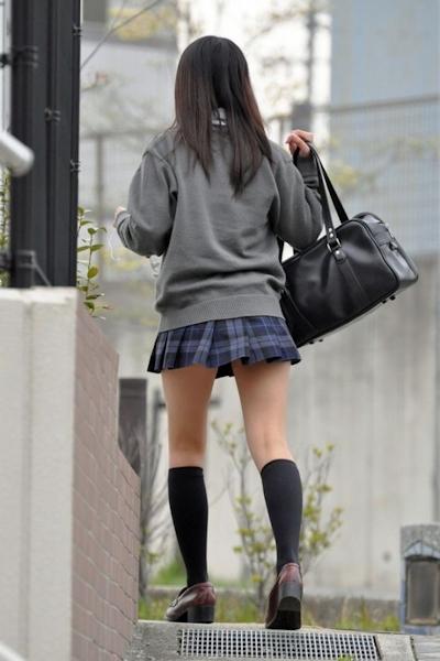 日本のJKのミニスカート画像 14