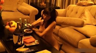 美人CAが富豪の家で全裸になってフェラしてる動画が流出!? 10