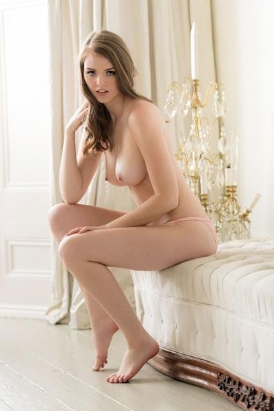 イギリスセクシーモデル Rosie Danvers(ルージー・ダンバース) セクシーヌード画像 6