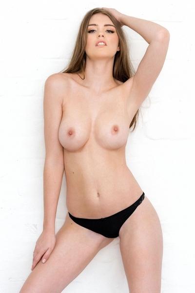 イギリスセクシーモデル Rosie Danvers(ルージー・ダンバース) セクシーヌード画像 9