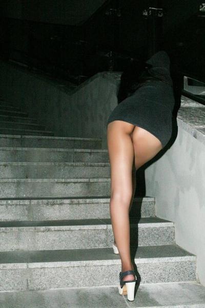 美乳なアジア女性の野外露出ヌード画像 1
