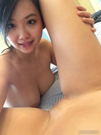 アジア系ポルノスター Harriet Sugarcookie(ハリエット・シュガークッキー)がプライベートなレズプレイをTwitterにアップ 6