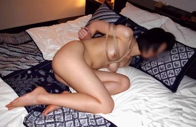 美女の緊縛・拘束ヌード画像 6