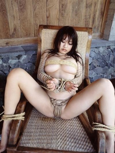 美女の緊縛・拘束ヌード画像 8