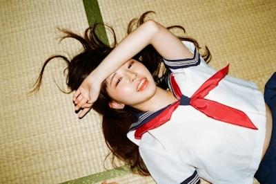 JK制服美少女のヌード画像 2