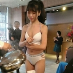 台湾の火鍋店にビキニ美女店員がいっぱいいたとネットで話題