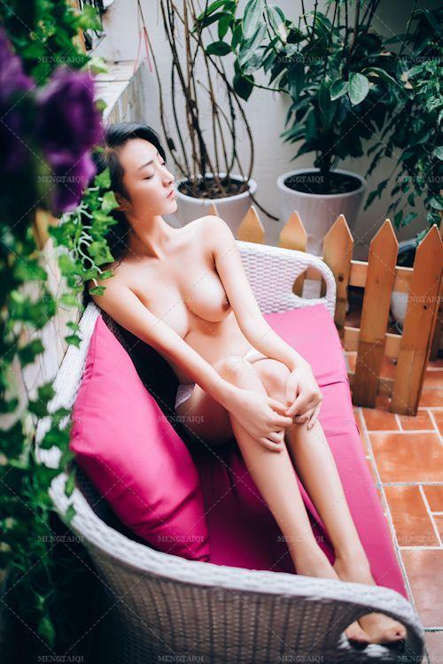 中国の美巨乳美女モデルのヌード画像 4