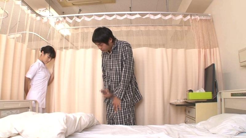 美人看護師に勃起したチンポを見られてお願いしたら挿入させてくれた画像 14