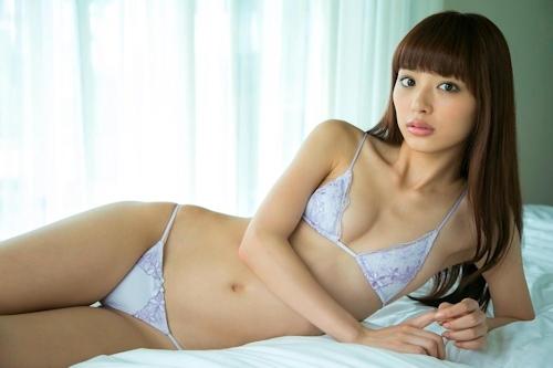 内田理央 セクシーグラビア画像 13