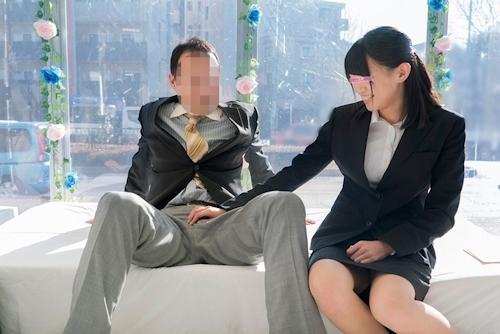 ザ・マジックミラー 顔出し!働く美女限定 8本番!街頭調査!職場の同僚と日本一エロ~い車の中で2人っきり 理性と性欲どちらが勝つのか!?同じオフィスで働く男女に突然のSEX交渉!!人生初の真正中出しスペシャル! 5 in池袋 2