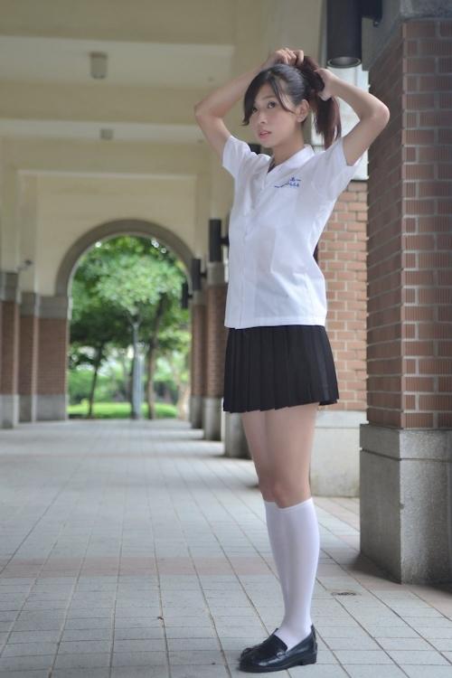 台湾の美少女JKの制服画像 1