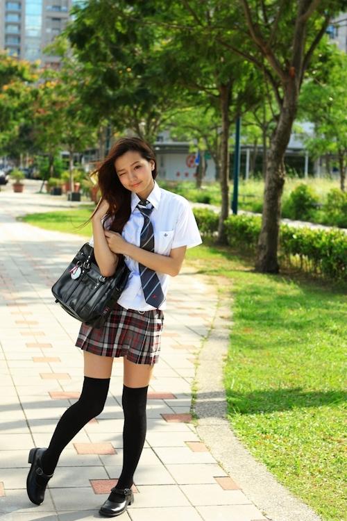 台湾の美少女JKの制服画像 6