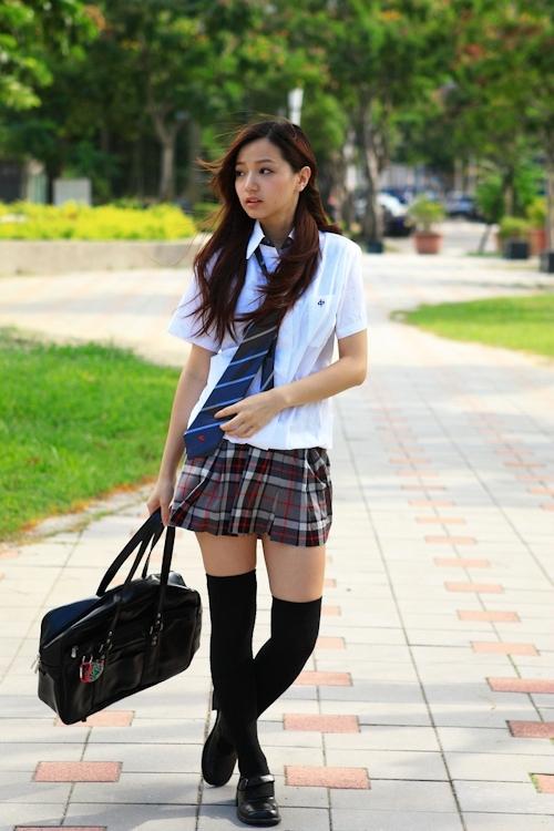 台湾の美少女JKの制服画像 7