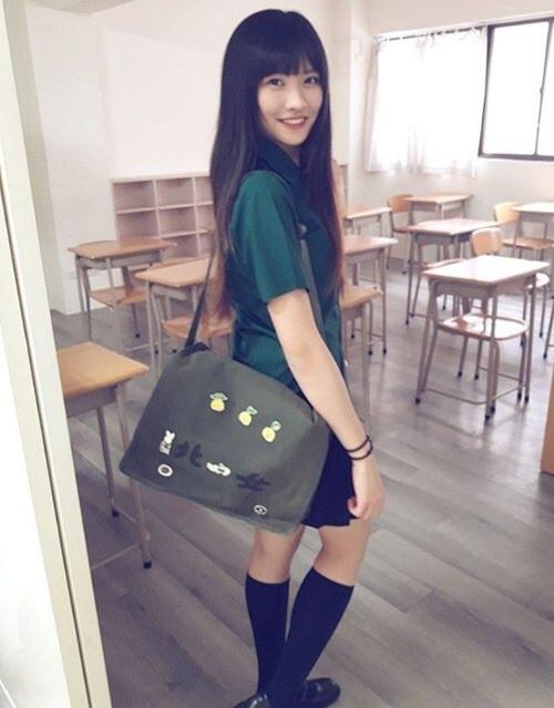 台湾の美少女JKの制服画像 10