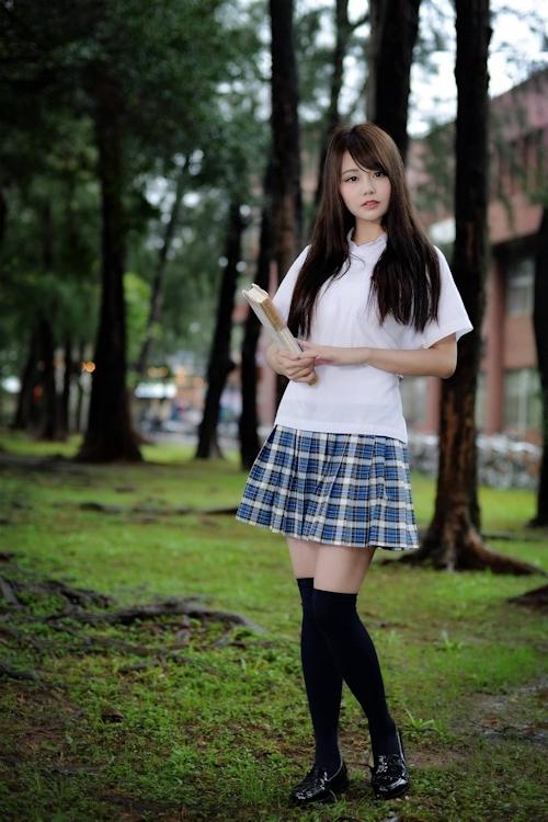 台湾の美少女JKの制服画像 14