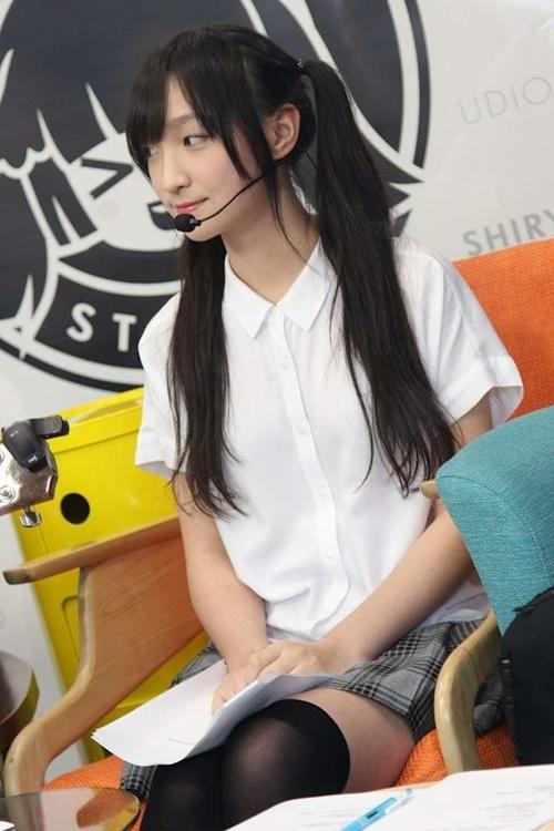 台湾の美少女JKの制服画像 16