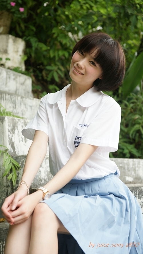 台湾の美少女JKの制服画像 17