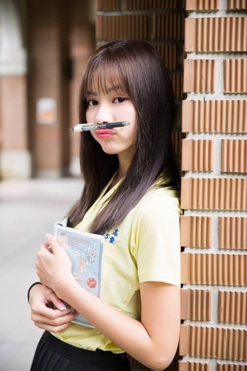 台湾の美少女JKの制服画像 20