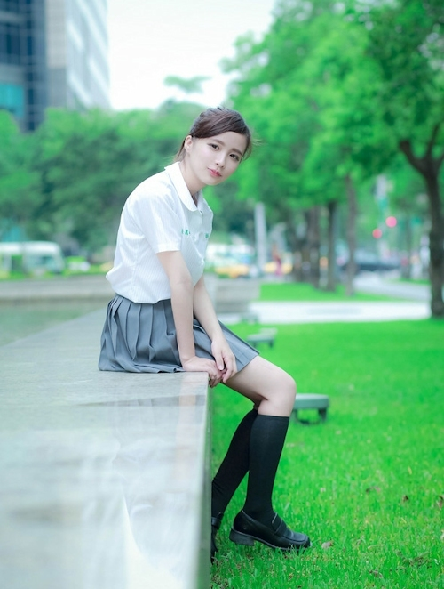 台湾の美少女JKの制服画像 23