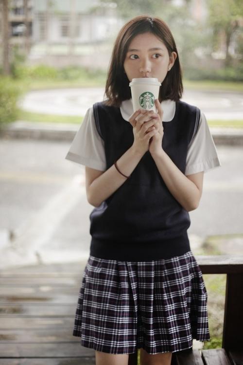 台湾の美少女JKの制服画像 25