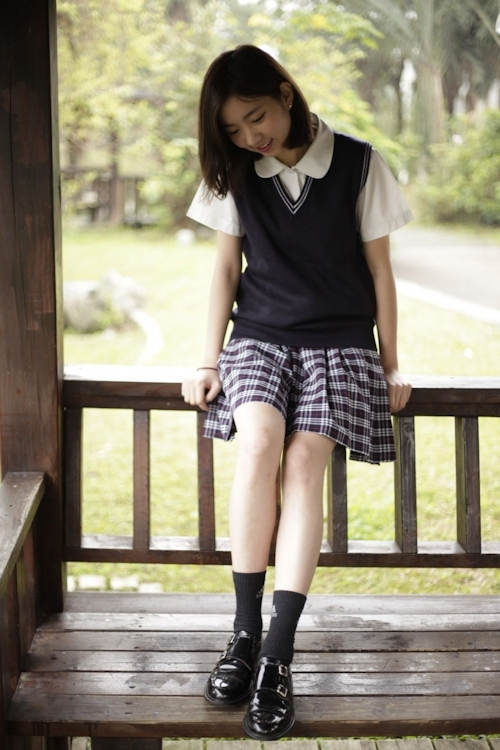 台湾の美少女JKの制服画像 26