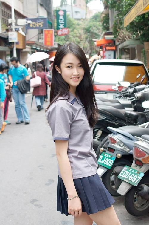 台湾の美少女JKの制服画像 34