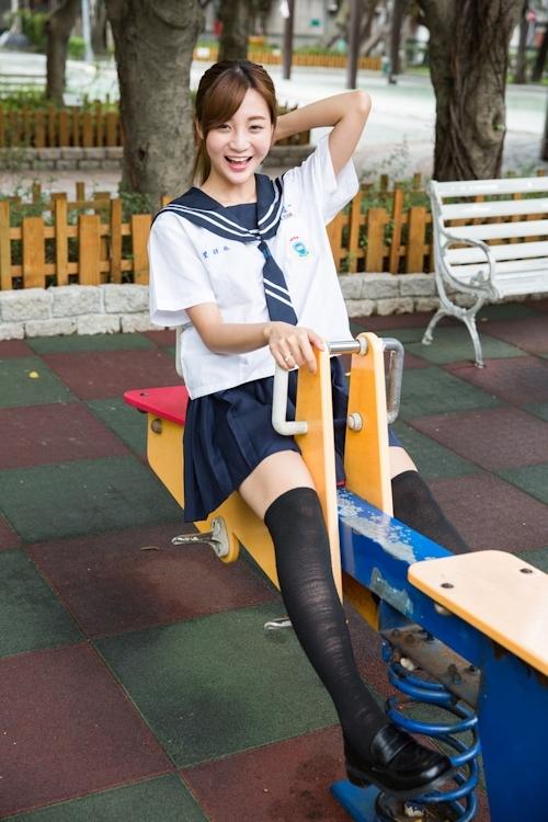 台湾の美少女JKの制服画像 37