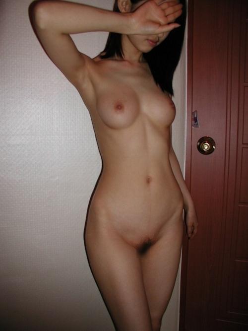 美乳なアジアン美女の流出ヌード画像 3