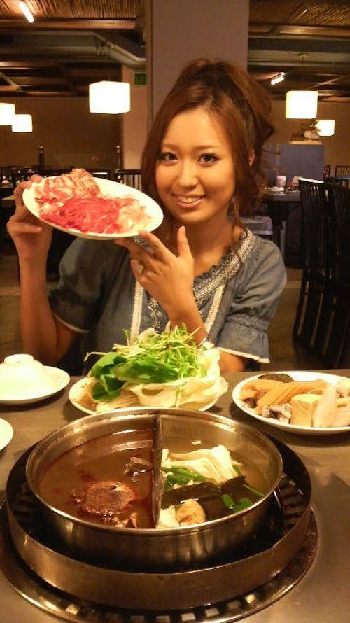 アジアン美女の巨乳おっぱい画像 1