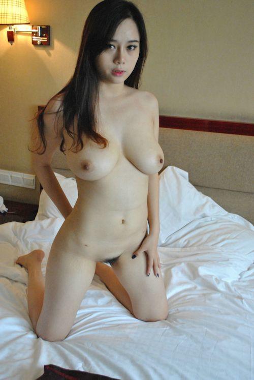 巨乳な中国美女に撮影させてもらったヌード画像 6