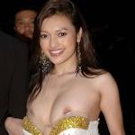 タイの美人女優 Tawngrak Assawarat レッドカーペットでおっぱいポロリ画像