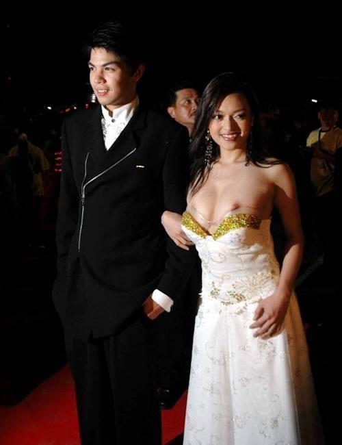 タイの美人女優 Tawngrak Assawarat レッドカーペットでおっぱいポロリ画像 2