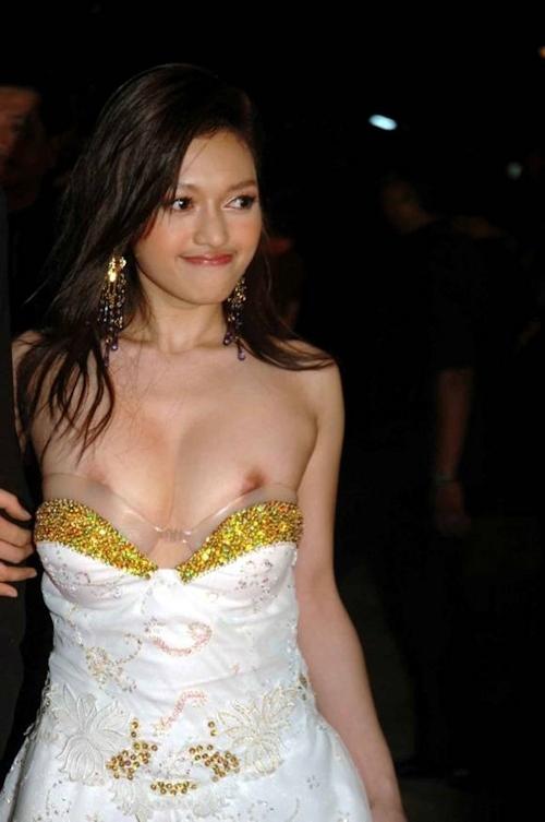タイの美人女優 Tawngrak Assawarat レッドカーペットでおっぱいポロリ画像 4